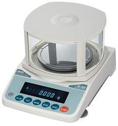 Лабораторные весы AND DL-500