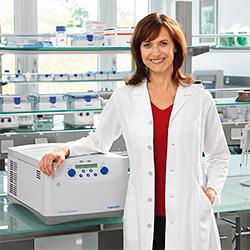лаборатории нельзя знакомиться с запахом веществ