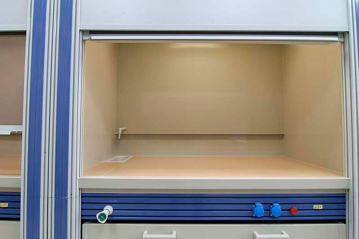Вытяжной шкаф общелабораторный ПГЛ-ЛМ ВШ2, 900х800х2200