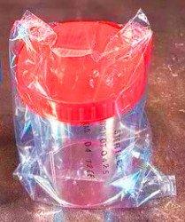 Контейнер 150 мл, для взятия проб с завинчивающейся крышкой (стерильный)